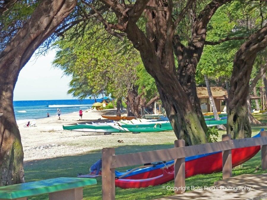 Canoe (Hanakao'o) Beach