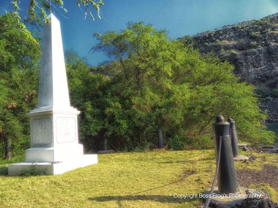 Kealakekua Bay & Captain Cook Monument - Boss Frog's Snorkel on